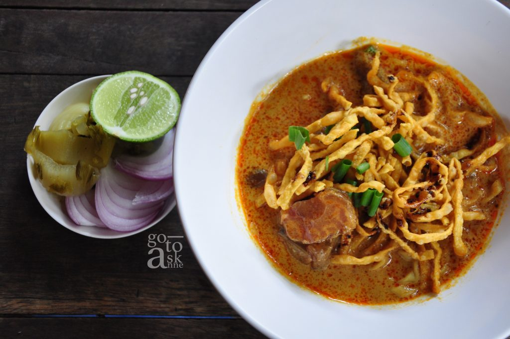 Rich and mild curry with good beef, Ban Bua Loy is worth a try.